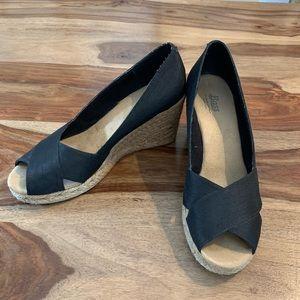 Black Bass peep-toe wedges